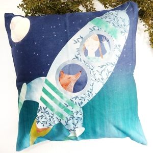 NWT Lovely Accent Pillow Cover For Child's Room
